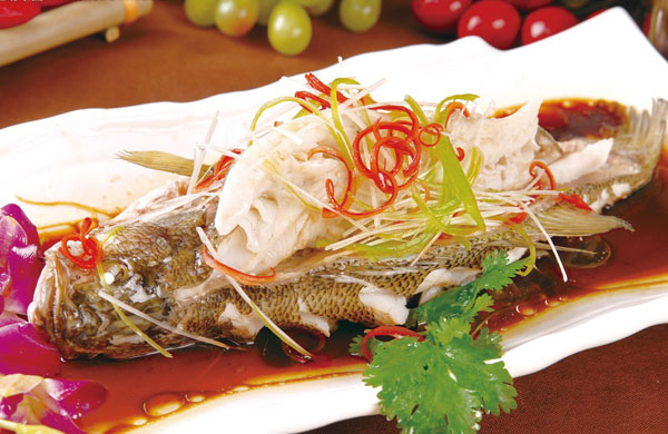 bwin手机网页教您有关鱼的其他美味吃法——清蒸鲈鱼