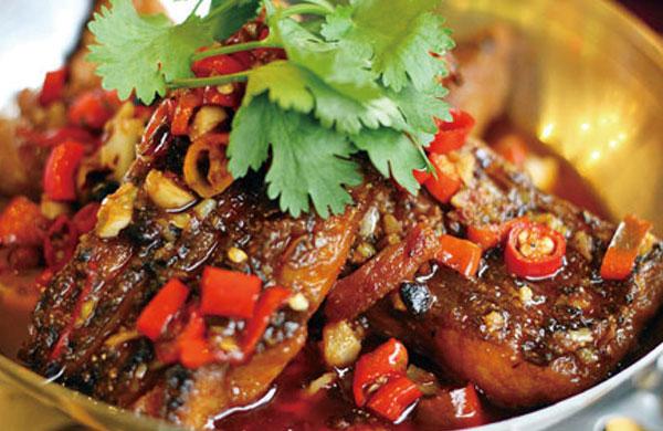 红烧鱼,看北京鱼头泡饼加盟品牌——旺顺阁教您怎么做会更好吃!